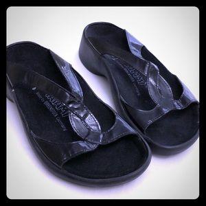 TATAMI by Birkenstock Sz 6 Slide Sandals